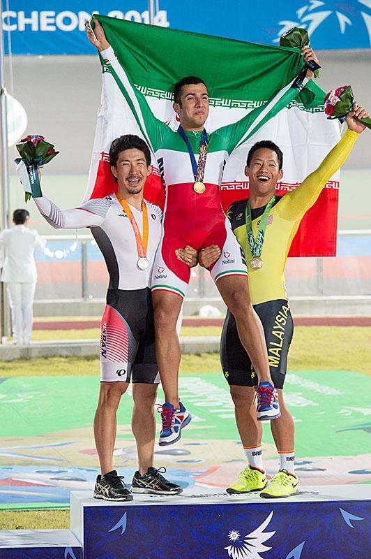 Medaglia d'argento Keirin Watanabe asiatici Giochi da uomo!