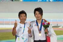 表彰式後、飯島コーチと