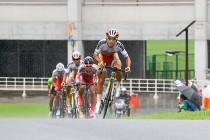 E1 岡篤志(弱虫ペダルサイクリングチーム)がここから18kmを独走して優勝