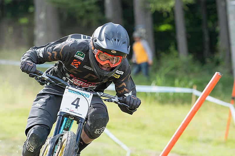 IMOTO Hajime, DHI, Campione nazionale